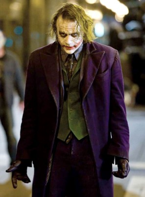 The Dark Knight – un Joker fascinant de malefic si locul 1 in IMDb 250