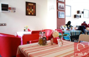Violeta's-Vintage-Kitchen3