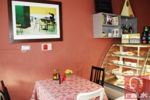 Violeta's-Vintage-Kitchen5