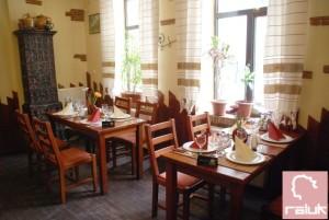 casa-jienilor-fainari-restaurant3