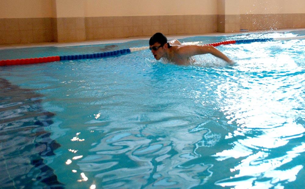 Bery Fitness Spa bazin semi olimpic bucuresti casa de sanatate club sanatate fitness inot masaj pantelimon ritmului pilates fitball aqua fitness