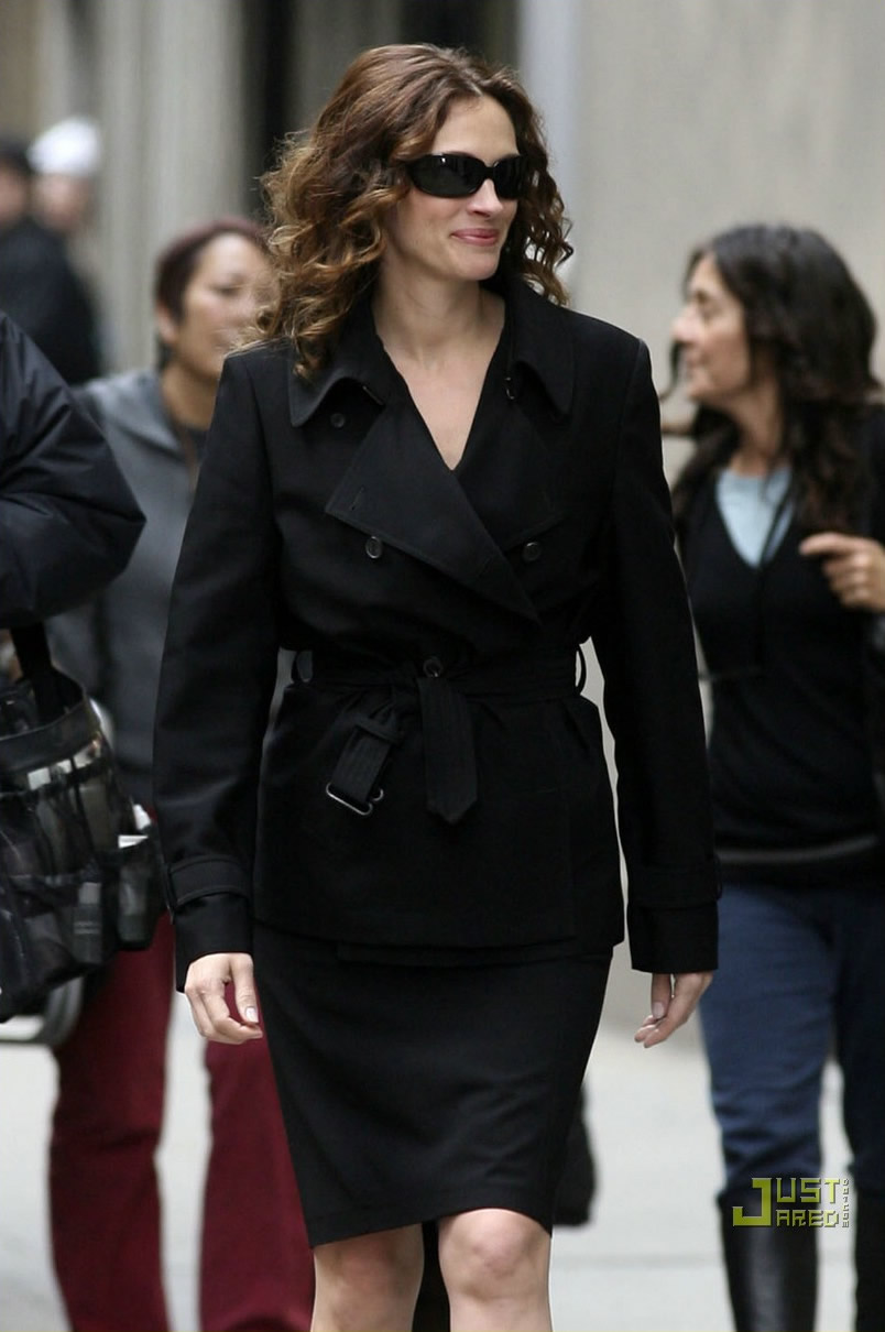 duplicity julia roberts clive owen tony gilroy paul giamatti tom wilkinson 2009 action drama film