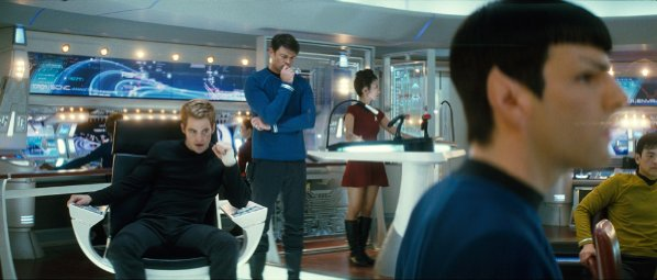 star trek j.j. abrams sf science fiction 2009 actiune suspans chris pine eric bana zachary quinto