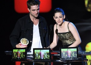 mtv_awards_2010_rb_ks