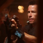 Lockout – Guy Pearce, cel mai simpatic Erou