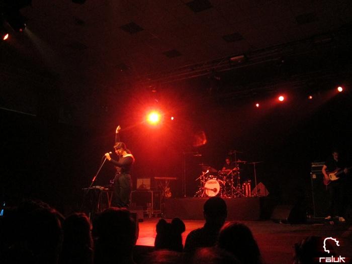 jessie-warre-jamie-woon-concert-tm-live2