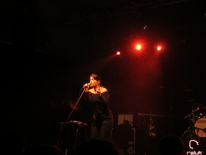 jessie-warre-jamie-woon-concert-tm-live4