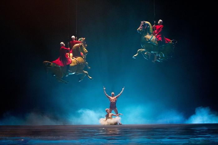 cirque-du-soleil-worlds-away3