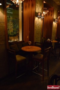 corks-cozy-bar6